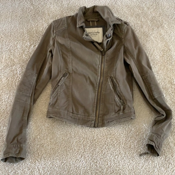 Abercrombie army green crop jacket